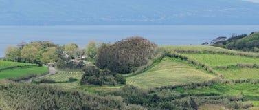 Küstenansicht bei Santa Iria im Sao Miguel Island, Azoren, Portugal lizenzfreie stockfotografie
