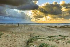 Küstenlandschaft während des Sturms Stockfotos