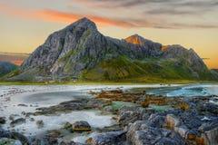Küstenlandschaftssonnenaufgang Lizenzfreies Stockfoto