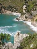Küstenlinie über Sperlonga lizenzfreies stockbild
