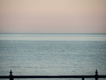 Küstenlinie am Abend Stockbilder