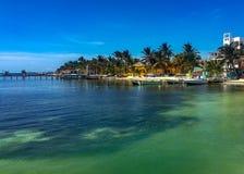 Küstenlinie in Caye-Kalfaterer, Belize lizenzfreies stockbild