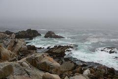 Küstenlinie entlang dem 17 Meilen-Antrieb Stockbild
