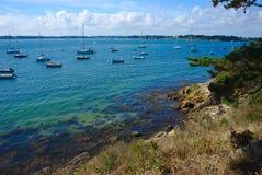 Küstenlinie, Küste und Strand der Inselzusatzmönche in Bretagne im Morbihan La Frankreich stockfoto