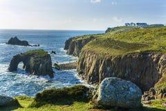 Küstenlinie am Landende Cornwall Stockbild