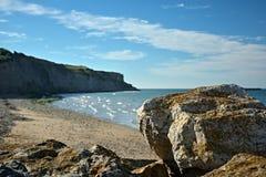 Küstenlinie nahe Arromanches in Frankreich lizenzfreie stockfotografie