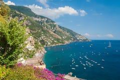Küstenlinie nahe Positano Lizenzfreies Stockfoto