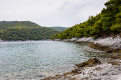 Küstenlinie und Strand von Alonissos, Griechenland stockfotografie