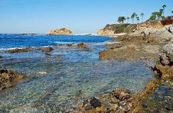 Küstenlinie unter Montage-Erholungsort-Laguna Beach, Kalifornien Stockfotos