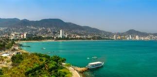 Küstenlinie von Acapulco-Stadt in Mexiko Stockfotografie