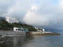 Küstenlinie von Foros-Erholungsort, Krim lizenzfreies stockfoto