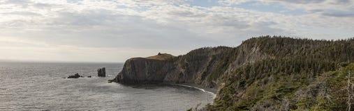 Küstenlinie von Skerwink-Spur, Dreiheit, Neufundland, Kanada lizenzfreie stockfotografie
