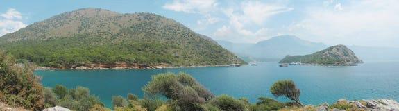 Küstenlinielandschaft des Mittelmeertruthahns Lizenzfreies Stockbild