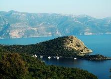 Küstenlinielandschaft des Mittelmeertruthahns Lizenzfreie Stockfotos