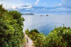 Küstenlinien-und adriatisches Seeansicht nahe Petrovac Stockbilder