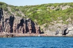 Küstenlinienpanorama Sardegna-Insel Sardinien Italien des schönen Ozeans felsige Lizenzfreies Stockbild