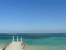Küstenpier in den mexikanischen Karibischen Meeren Lizenzfreie Stockfotografie