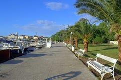 Küstenpromenade, Budva-Hafen Montenegro Lizenzfreie Stockfotos
