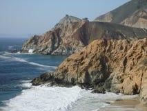 Küstenufer von Landstraße 1 in CA Stockbilder