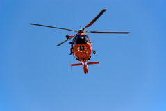 Küstenwache-Hubschrauber Stockfotos