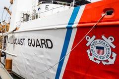 Küstenwache Shield auf Schiff Stockfoto