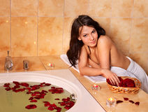 kąpielowa relaksująca kobieta Obrazy Royalty Free