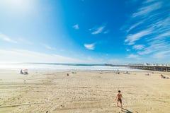 Kąpielowicze w Pacyfik plaży Zdjęcie Royalty Free
