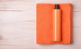 Kąpielowy gel i ręcznik obrazy royalty free