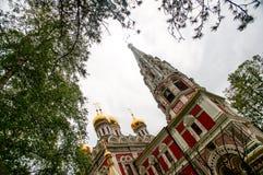 Kąt góruje Rosyjskiego kościół w Shipka Fotografia Royalty Free