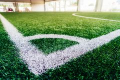 Kąt salowej futbolowej piłki nożnej stażowy pole Zdjęcie Stock