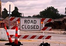 kąta błękitny drogowego znaka odcienia widok szeroki Zdjęcie Stock