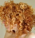 kędzierzawego włosy upaćkana czerwień Zdjęcie Royalty Free
