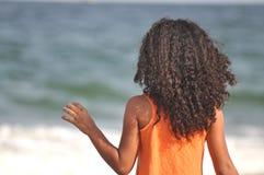 Kędzierzawy upał przy plażą zdjęcia stock
