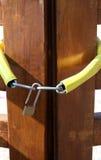 Kędziorki na Drewnianym Drzwi Zdjęcie Stock