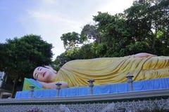 Kłamać Buddha statuę Zdjęcie Royalty Free