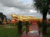 Kłamający Buddha przy Pha Który Luang stupa w Vientiane, Laos Fotografia Stock