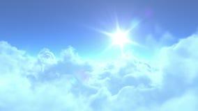 4K在云彩的低速飞行 库存例证