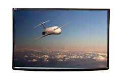 4K在被隔绝的墙壁上的电视 免版税库存图片