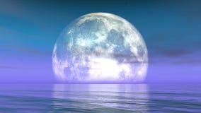 4k在水的满月,在海、科幻场面、紫色云彩&烟飞行反射 股票录像