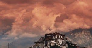 4k布达拉宫早晨,拉萨,西藏 timelapse红色云彩 影视素材