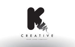 K掠过的信件商标 与刷子str的黑刷子书信设计 库存照片