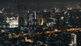 4K曼谷都市风景汽车和小船交通看法鸟瞰图时间间隔在晚上 影视素材