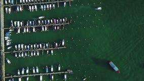 4K鸟瞰图ot芭达亚游艇港口 影视素材