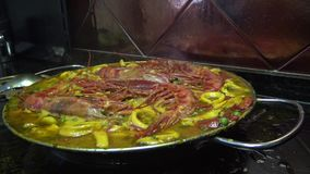 4k,烹调海鲜肉菜饭,tipical可口西班牙食物 股票视频