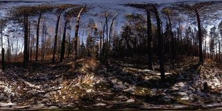 4K 360 εικονική πραγματικότητα VR μιας όμορφης σκηνής βουνών στο χρόνο φθινοπώρου Άγρια ρωσικά βουνά στο χιόνι απόθεμα βίντεο