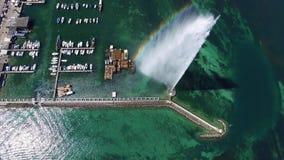 4K εναέριο μήκος σε πόδηα της πηγής νερού πόλεων της Γενεύης στην Ελβετία - UHD φιλμ μικρού μήκους