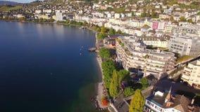 4K εναέριο μήκος σε πόδηα του Μοντρέ - της προκυμαίας λιμνών Leman, Ελβετία φιλμ μικρού μήκους