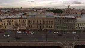 4k κεραία του γαμήλιου Άγιος-Πετρούπολη παλατιού στο αγγλικό ανάχωμα απόθεμα βίντεο