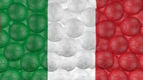 4K οι σφαίρες ποδοσφαίρου αφορούν κάτω ένα λευκό και διαμορφώνουν μια σημαία της Ιταλίας απεικόνιση αποθεμάτων