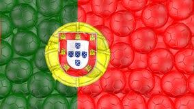 4K οι σφαίρες ποδοσφαίρου αφορούν κάτω ένα λευκό και διαμορφώνουν μια σημαία της Πορτογαλίας ελεύθερη απεικόνιση δικαιώματος